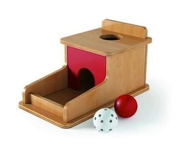 boite-a-formes-avec-petites-boules
